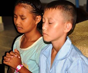bjd-praying